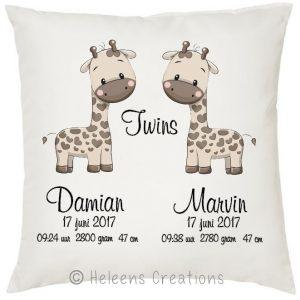 Geboortekussen tweeling jongens giraffe