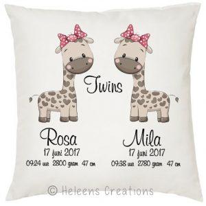 Geboortekussen tweeling meisjes giraffe
