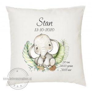 Geboortekussen met naam jungle olifantje jongen